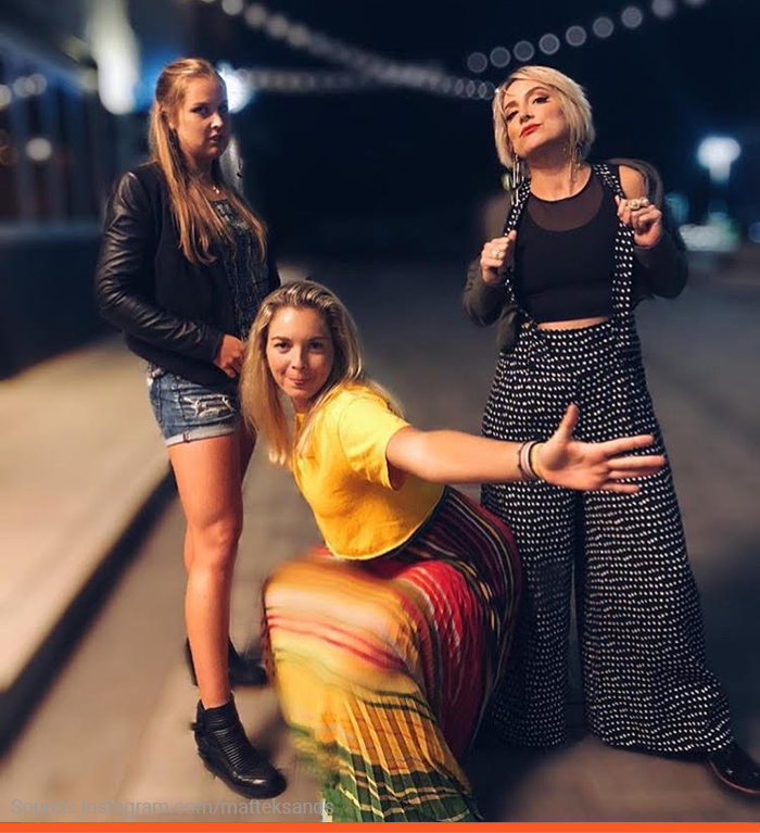 6-matteksands-streetgirls